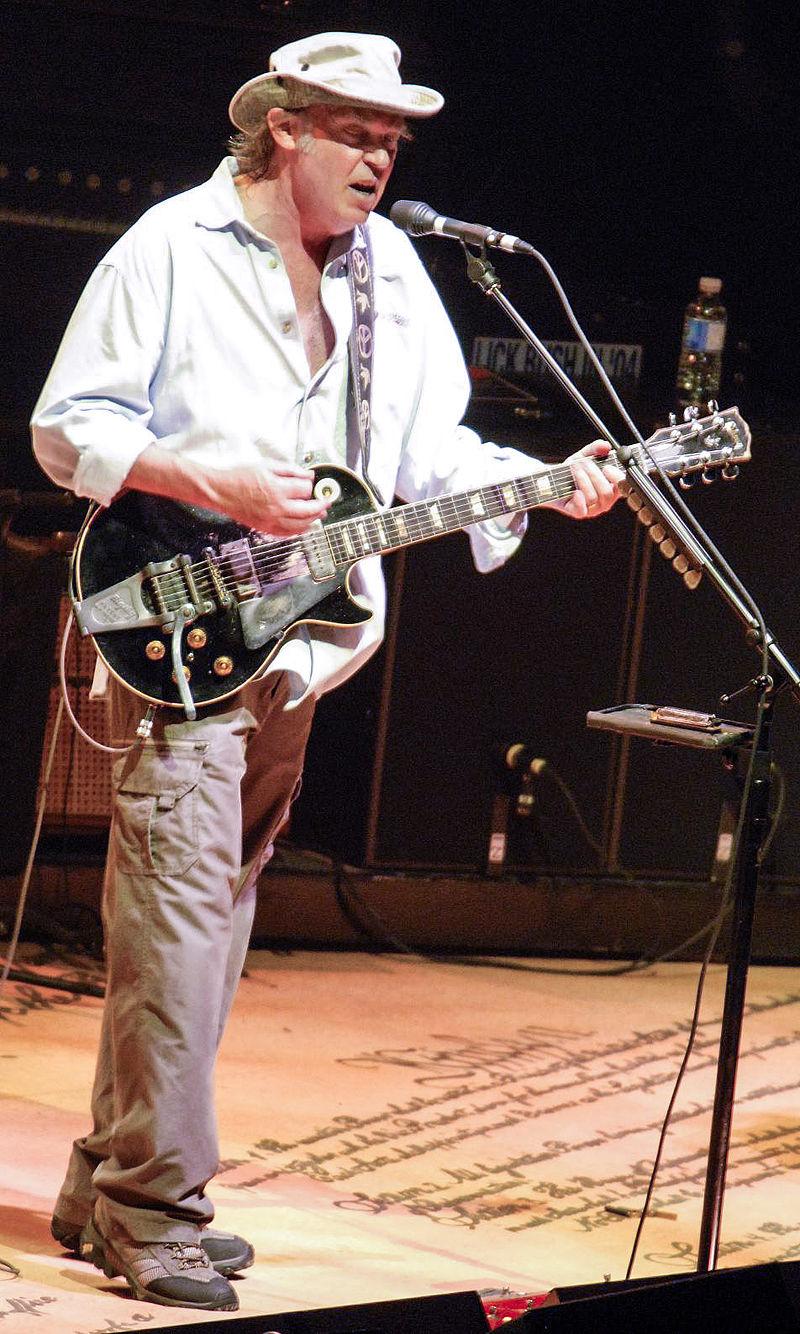 800px-Ny-ottawa-jul-2006