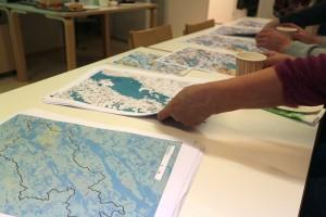 Valuma-aluekarttoja käsiteltiin lokakuussa hankkeen työpajassa Sevetissä.