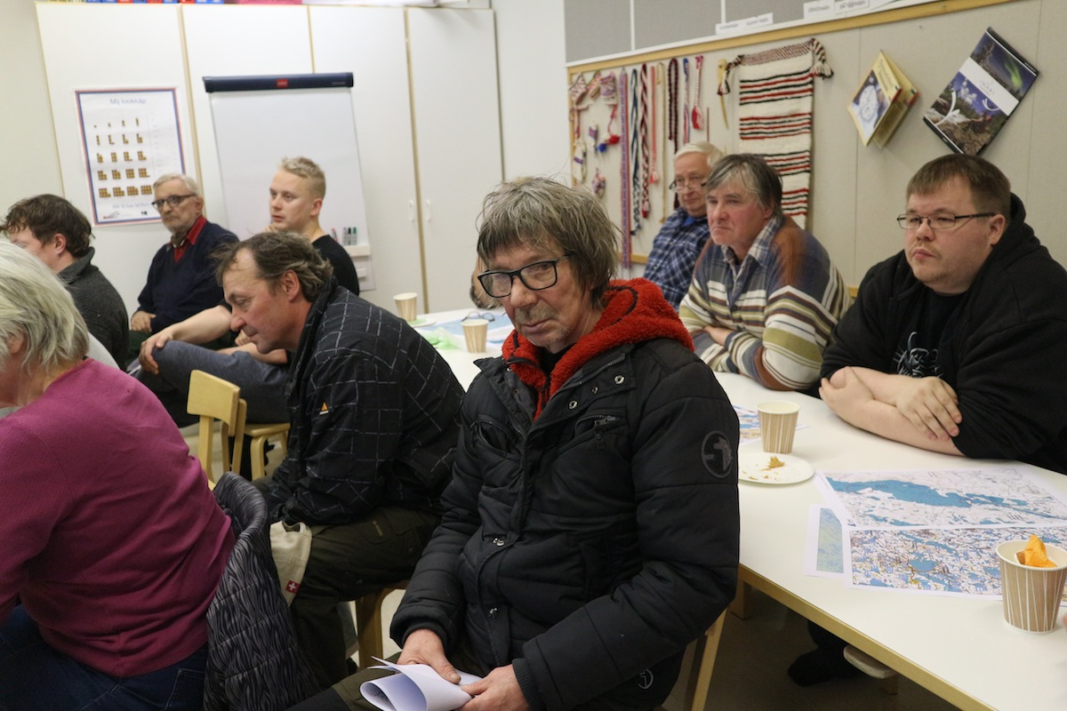 Risto Semenoff ja muut työpajan osallistujat.
